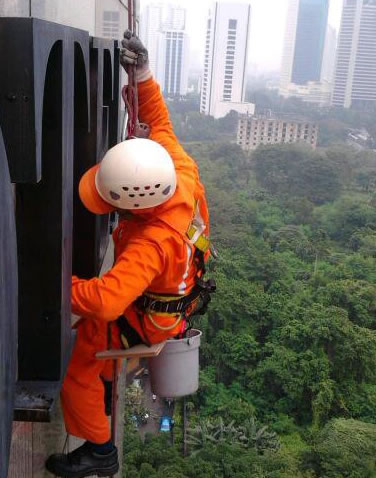 Maintaining a Modern High Rise or Tall Building
